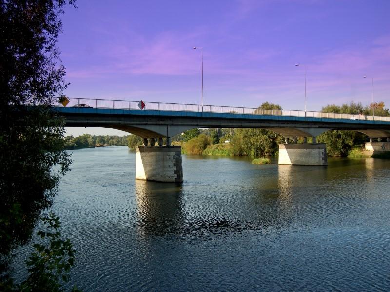 Fot. 4. Most na Odrze w Krapkowicach (zdj. UMiG Krapkowice) (Custom).jpeg