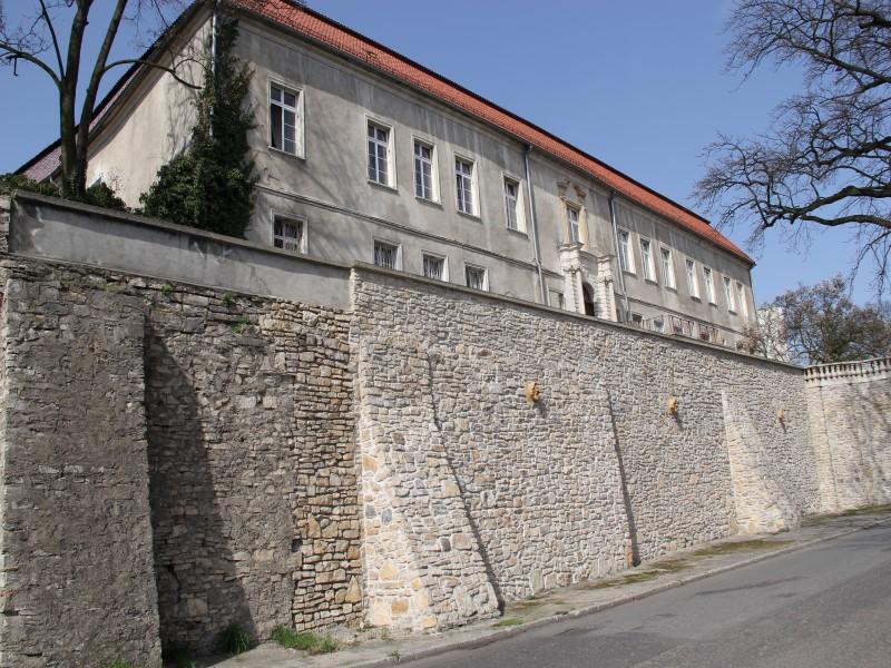 Fot. 14. Zamek rodów Redernów i Haugwitzów w Krapkowicach (zdj. UMiG Krapkowice) (Custom).jpeg